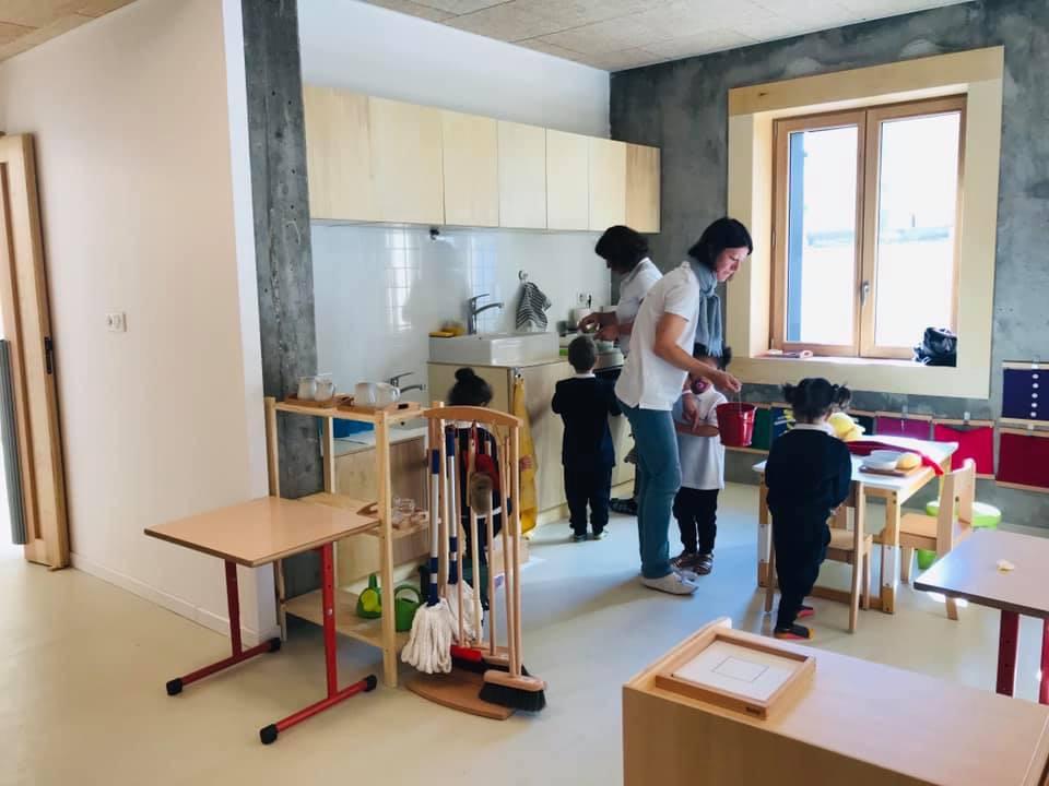 International Montessori school Carrieres (78) West of Paris practical life