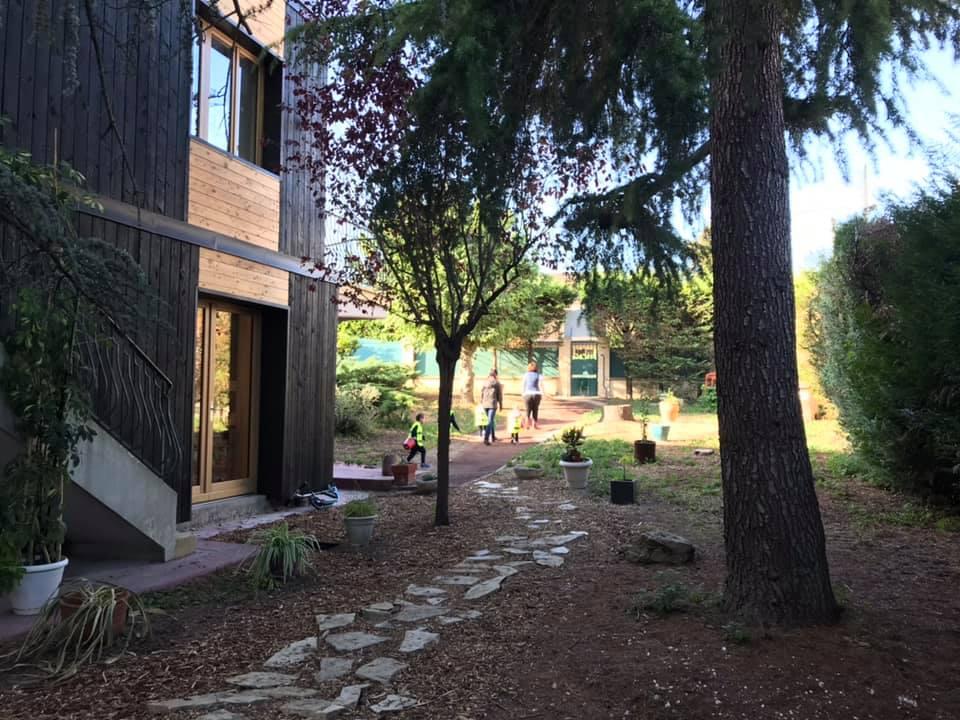 École Montessori Internationale Carrières-sur-Seine - jardin