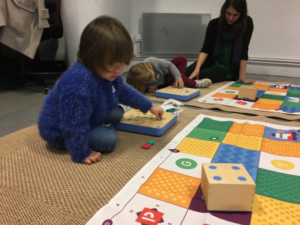 Coder sans écran en maternelle Montessori